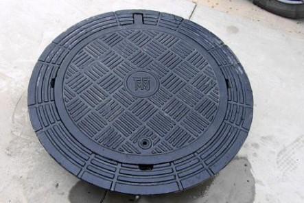 球墨铸铁井盖跟复合井盖的比较